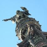 Cristoforo Colombo indica la direzione da Barcellona